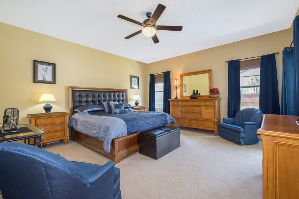 King Size Master Bedroom with Cable TV