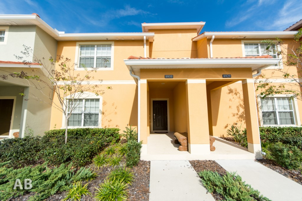 4 Bedroom Townhouse w Pool - Paradise Palms 8931
