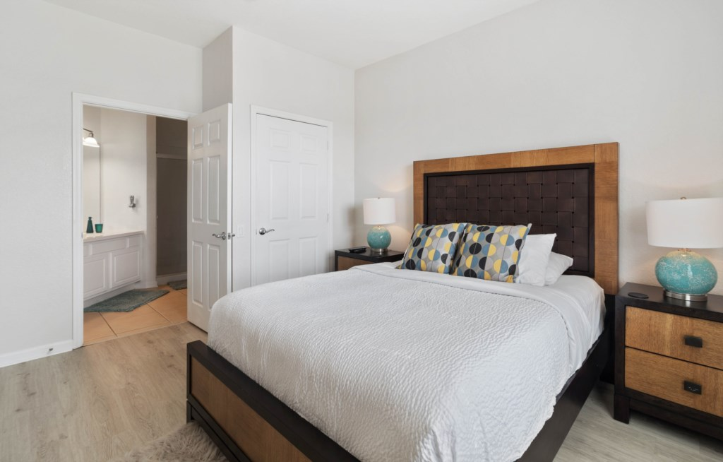 Master bedroom with pillowtop mattress
