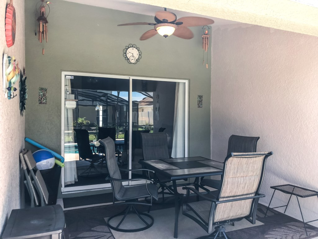 Brand New Outdoor Dining Set for 4! Patio Fan!