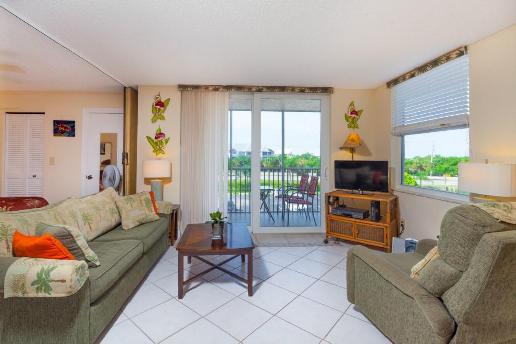 Living Room Area W/Screened Balcony