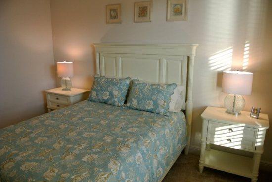 Bedroom 2 - View 2