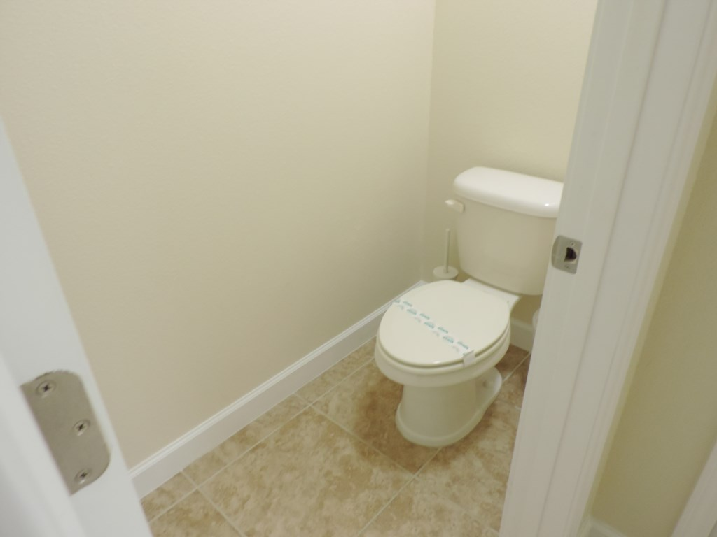 2nd Floor King Suite Bathroom