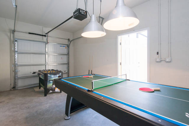 Game Room (garage)