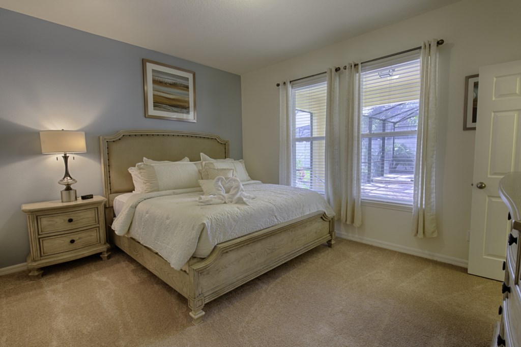 16 King Bedroom.jpg
