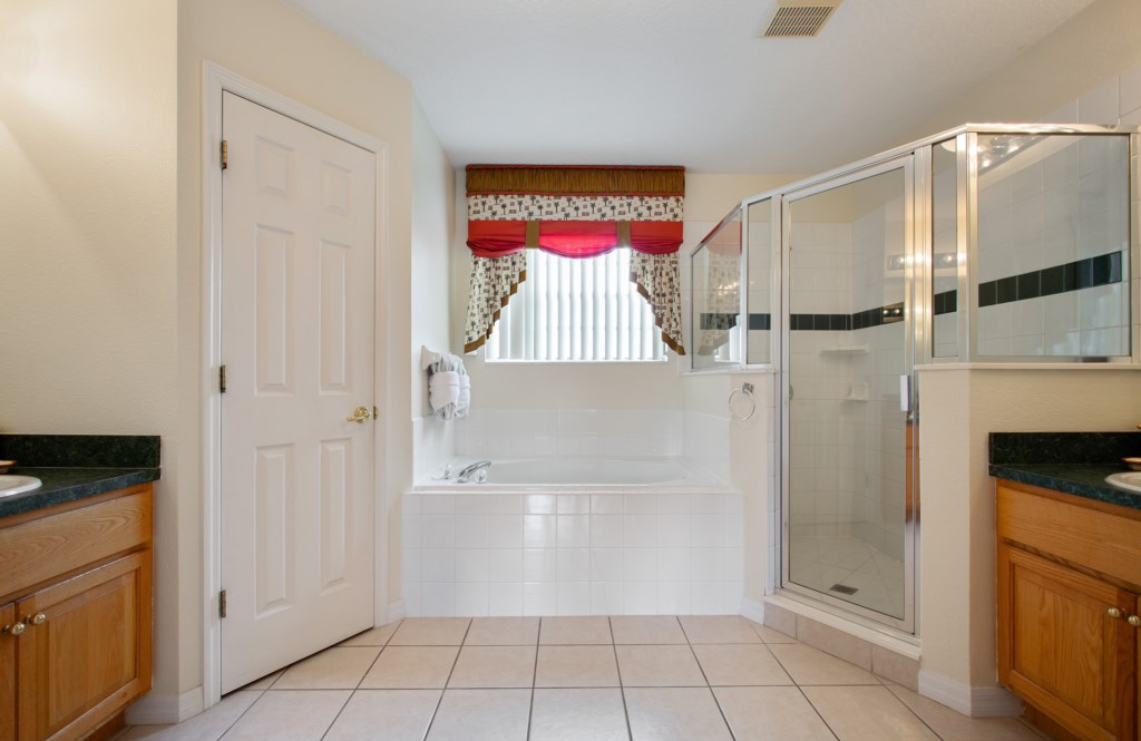 11_Orlando_Vacation_Home_Balcony_Cumbrian_Lakes_Kissimmee_Florida