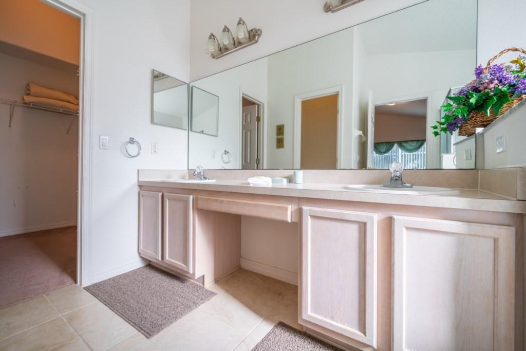 4-Bedroom-Orlando-Vacation-Home-Near-Disney