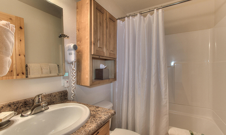1 bedroom bath.jpg