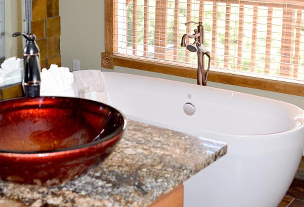 master bath-tub.jpg