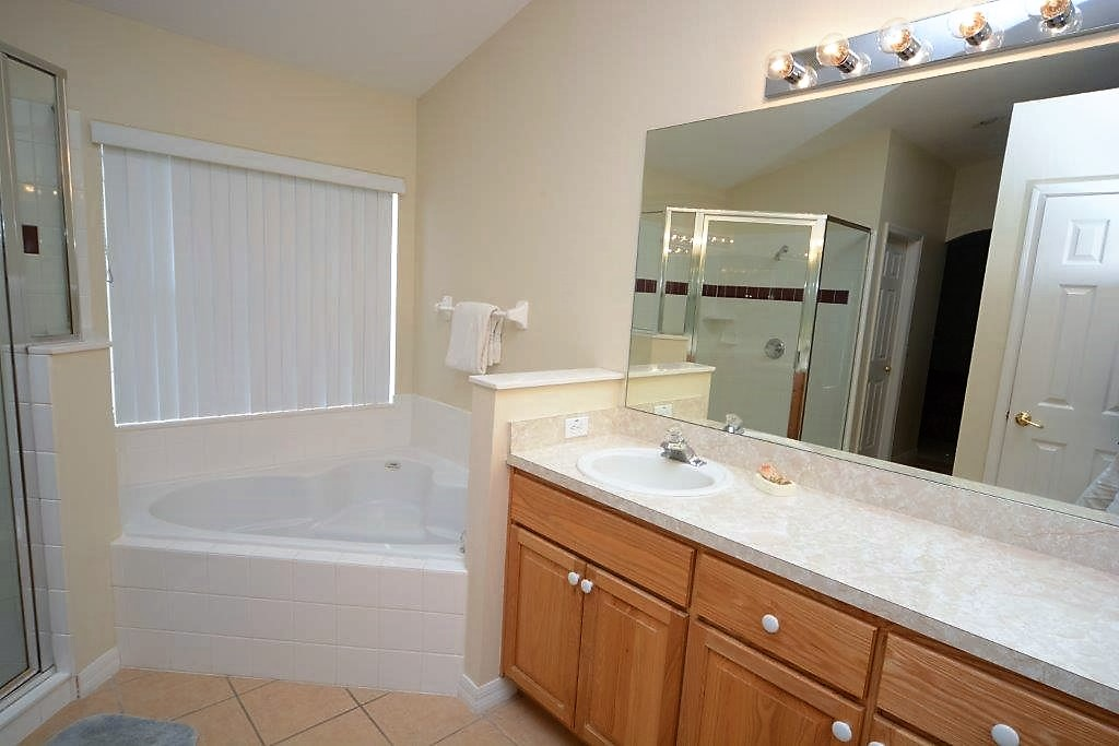 4-Bedroom-Orlando-Vacation-Rental-Home-Cumbrian-Lakes-Kissimmee-Florida