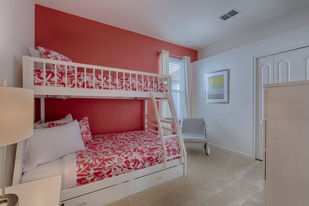 20_Bunk_Bedroom_0721.jpg