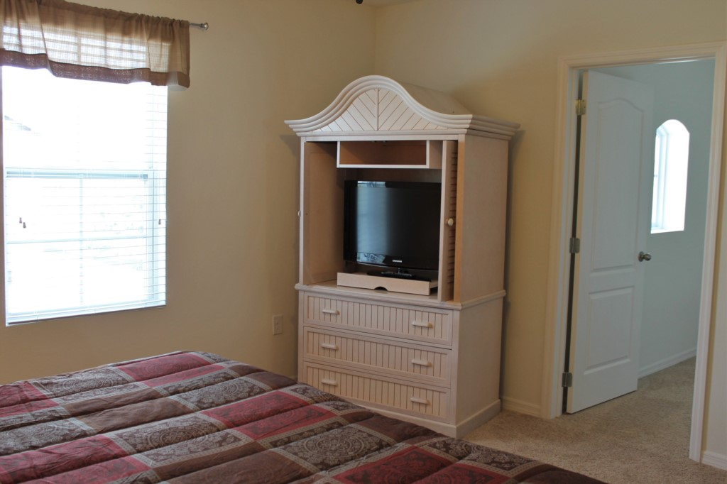 Bedroom 2 (Second Floor): Private TV, Large Walk In Closet