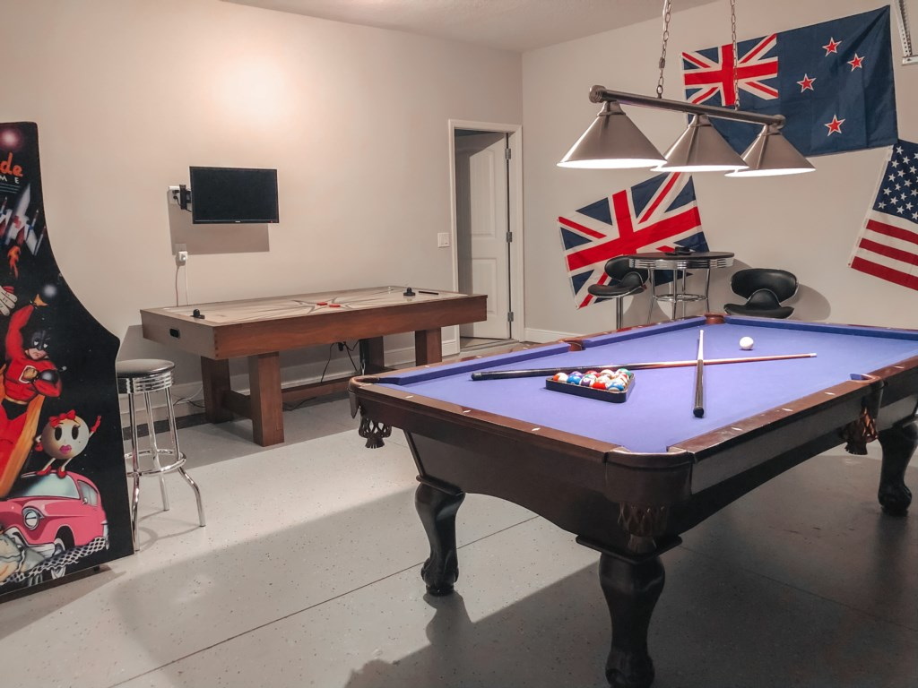 Stunning Modern Pool Table and Bar Dining! Arcade Game Play 60 Games and Air Hockey!