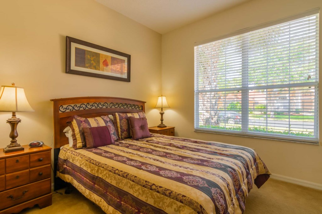 Charming Solana Resort Villa - Master Bedroom 2 w/ Queen Size Bed