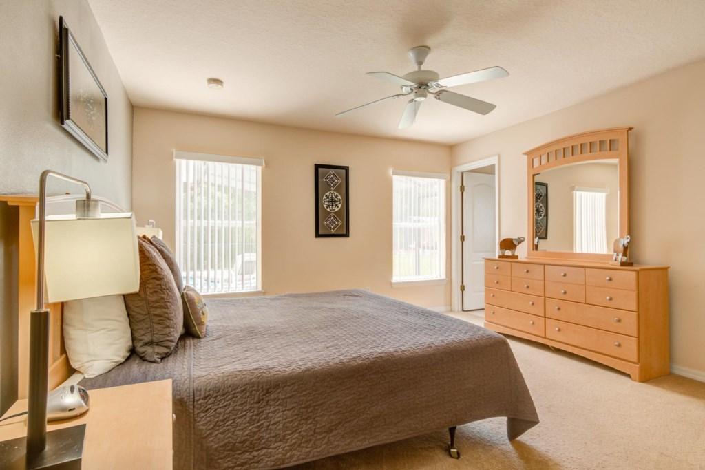 Karis' Sandy Ridge Villa - Master Bedroom 2 w/ King Bed (1)