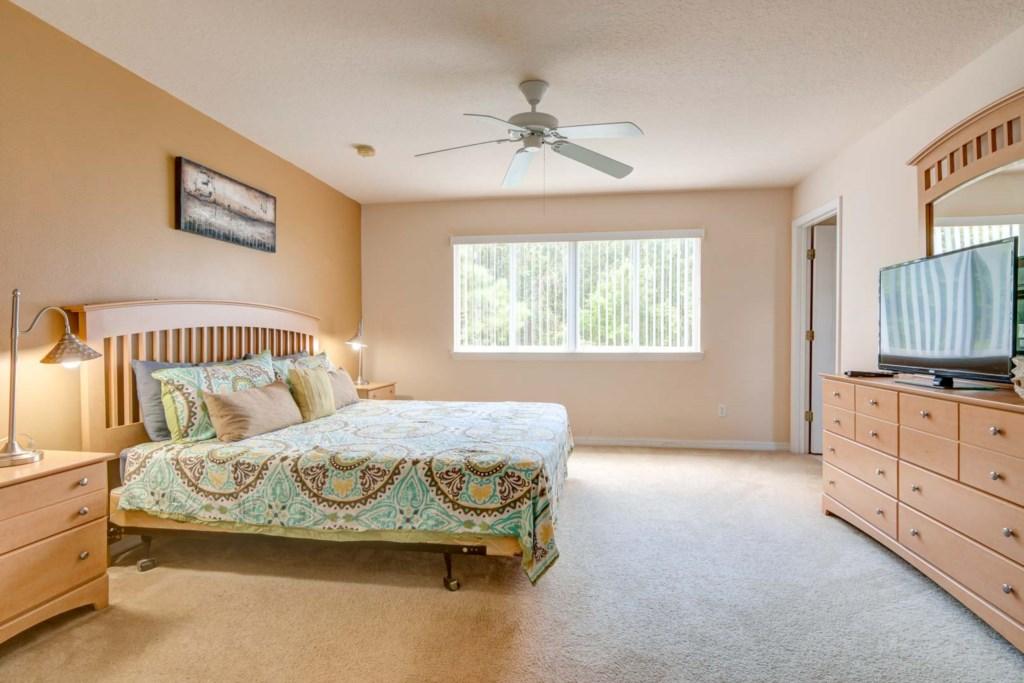 Karis' Sandy Ridge Villa - Master Bedroom 1 w/ King Bed (2)
