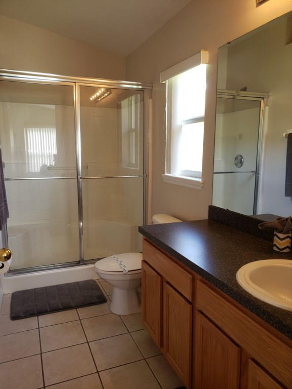 Master Ensuite Bathroom - Shower & Toilet