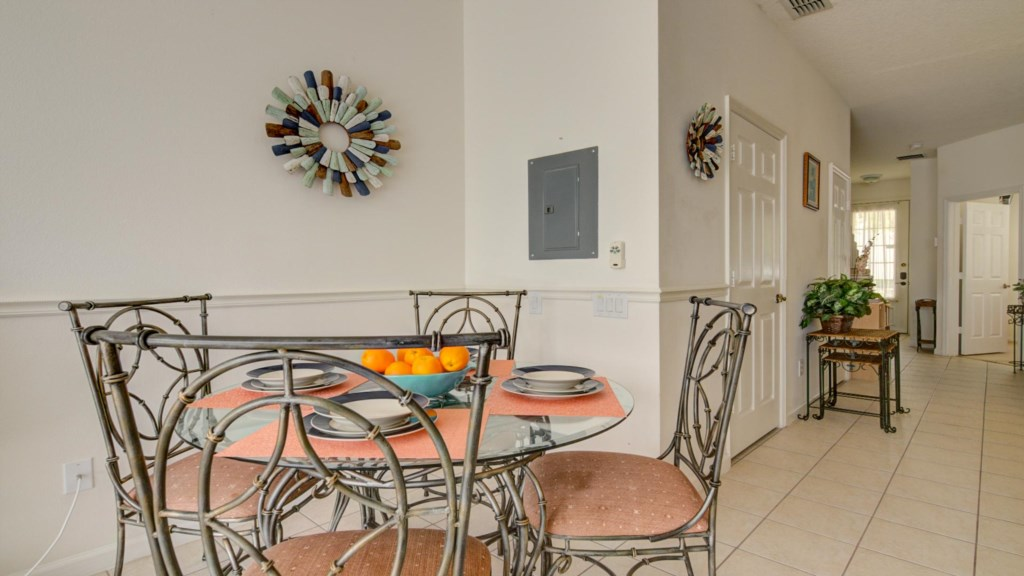 Marlene's Windsor Palms Resort Townhouse - Dining Table