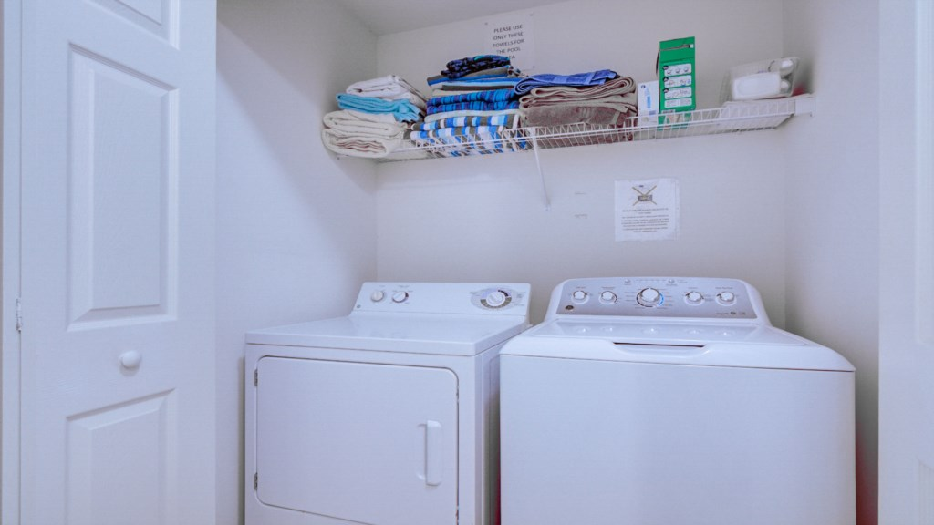 Marlene's Windsor Palms Resort Townhouse - Laundry Room
