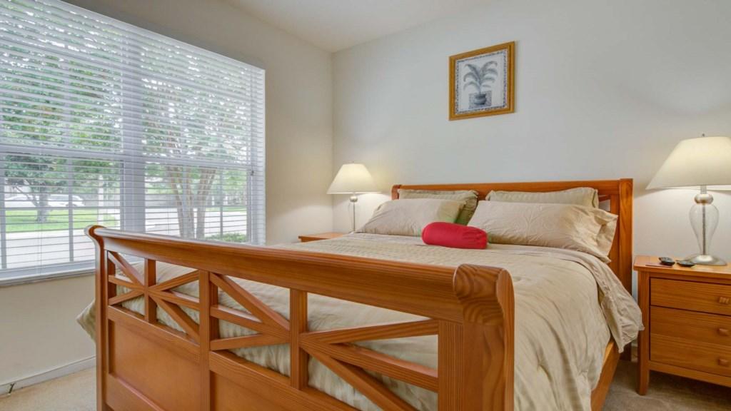 Marlene's Windsor Palms Resort Townhouse - Bedroom 2 w/ Queen Bed (1)