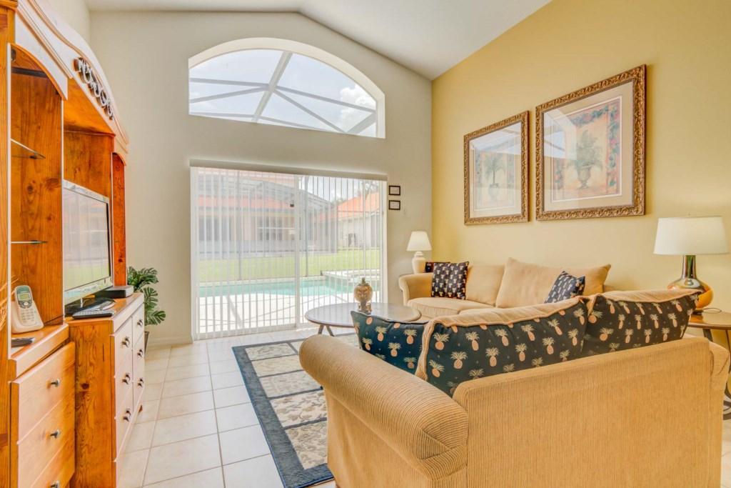 Robert's Solana Resort Villa - Living Room