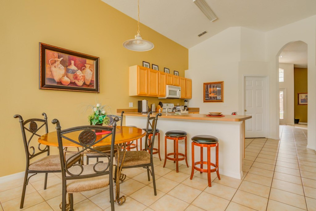 Robert's Solana Resort Villa - Breakfast Nook