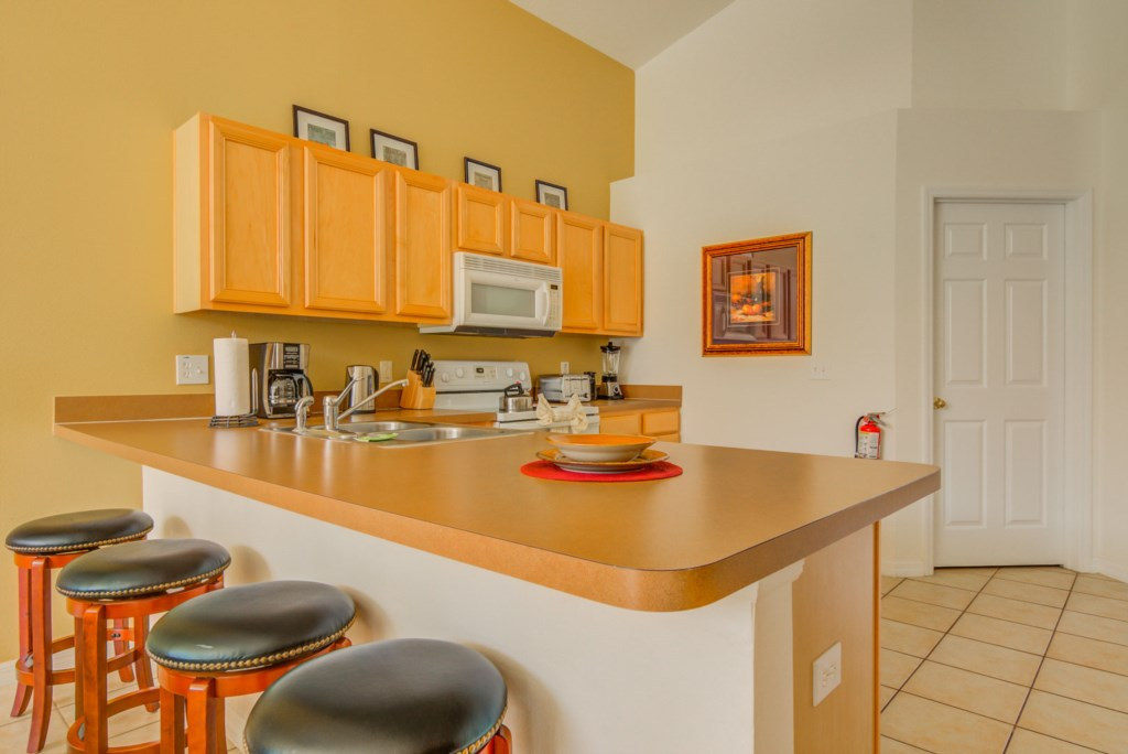 Robert's Solana Resort Villa - Kitchen (1)