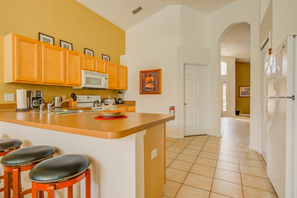 Robert's Solana Resort Villa - Kitchen (2)