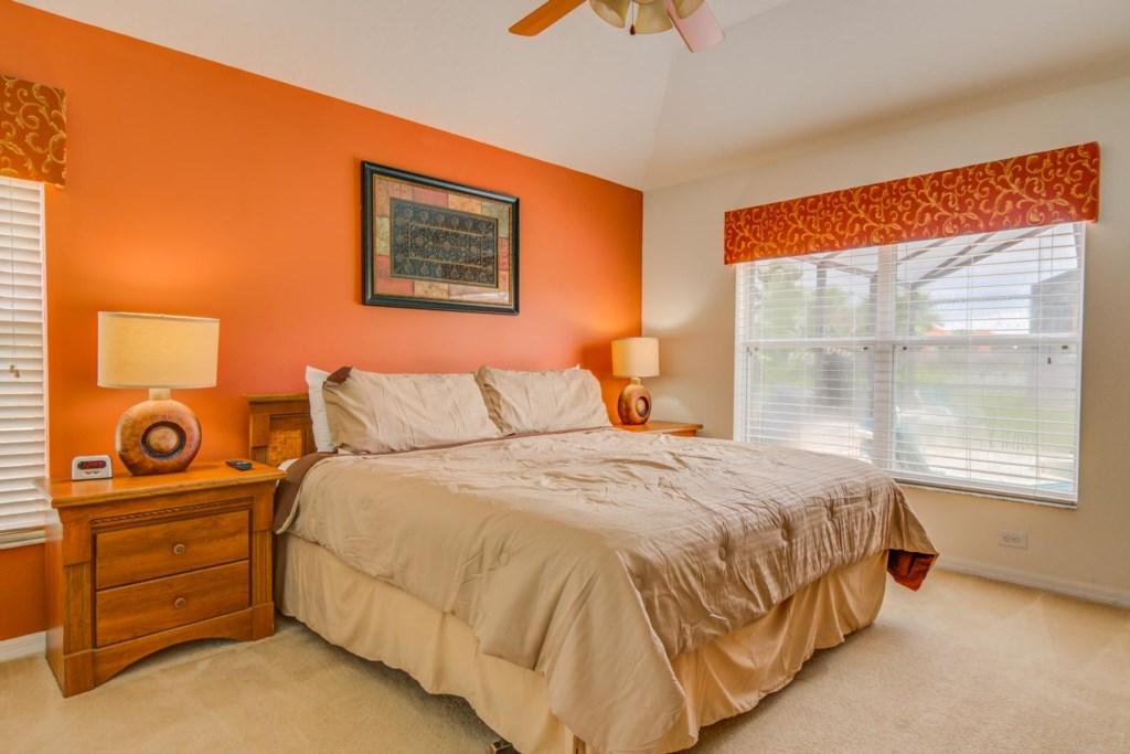 Robert's Solana Resort Villa - Master Bedroom w/ King Bed (1)