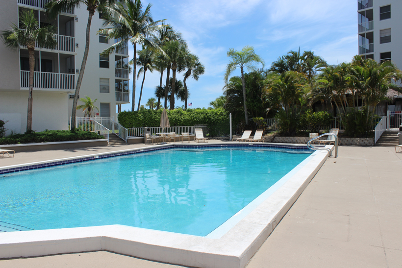 Bonita Beach and Tennis Club Pool