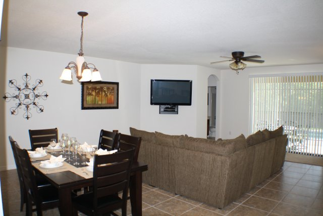 3 Lounge  & Dining