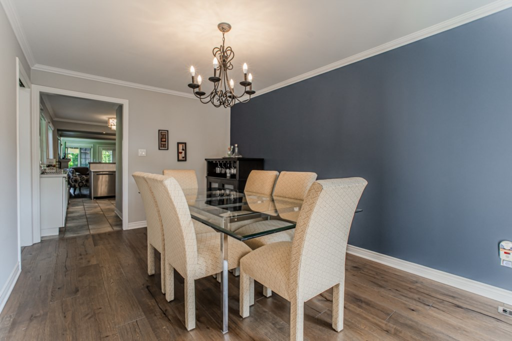 Dining room next to kitchen - La Vignette Vacation Rental - Old Town - Niagara-on-the-Lake