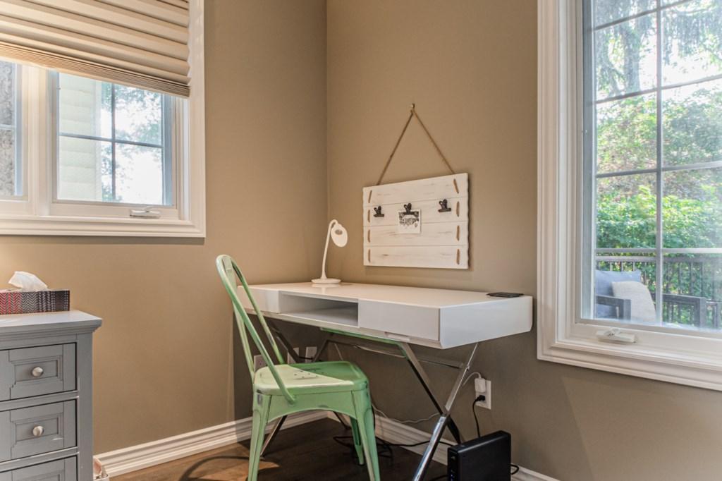 Desk in corner of primary bedroom - La Vignette Vacation Rental - Old Town - Niagara-on-the-Lake