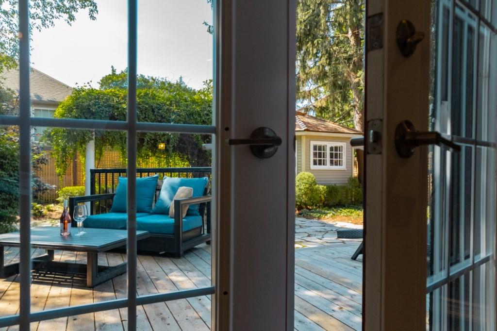French doors from back bedroom out to deck - La Vignette Vacation Rental - Old Town - Niagara-on-the
