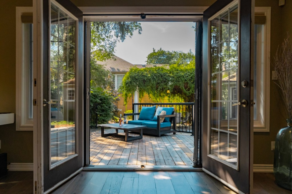 Access to back deck from french doors off of master bedroom - La Vignette - Niagara-on-the-Lake