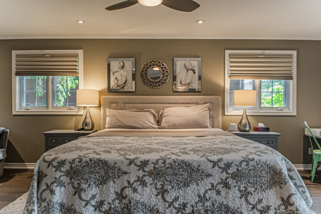 King bed. Ceiling fan with remote to keep cool. Whole house AC as well. La Vignette Vacation Rental