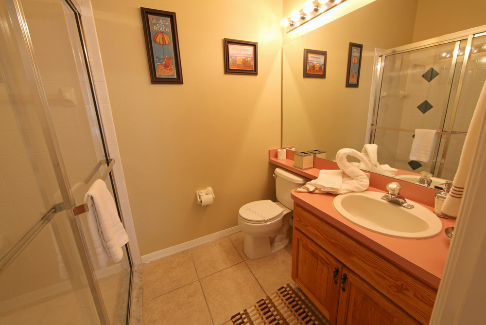 Queen Master Bathroom Ensuite
