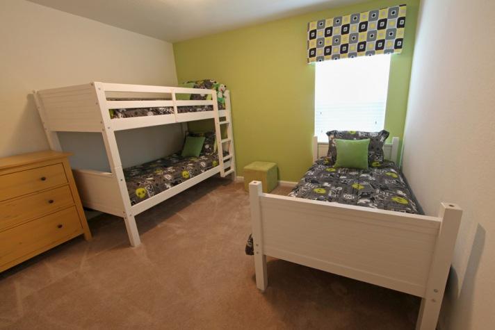 2nd floor bunkroom w/extra twin bed