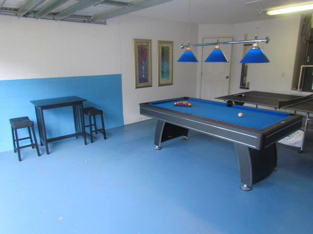 Game room Billiard table