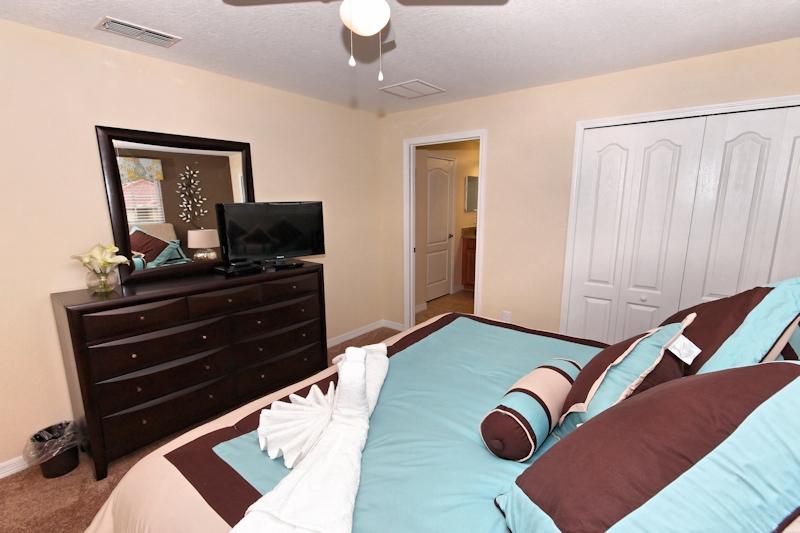 Master King bedroom 2nd floor