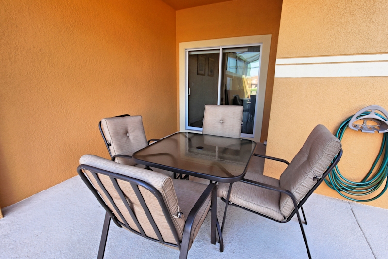 pool deck table and chairs