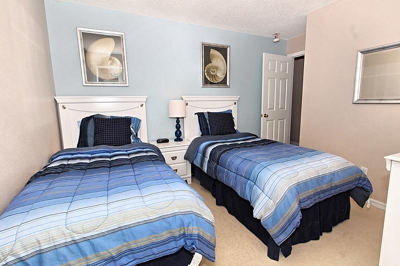 Twin-bedroom-2.jpg