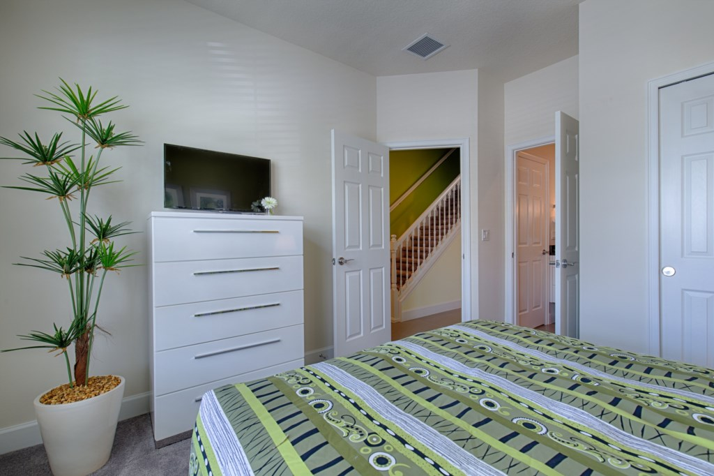 13_Bedroom_0721.jpg