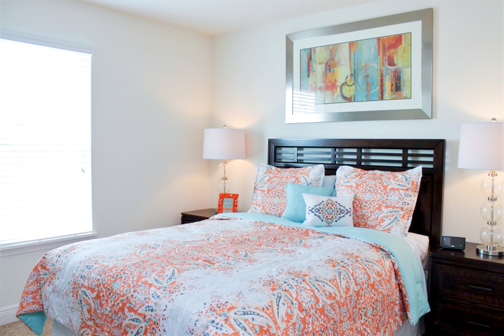 Bedroom 4: Queen Bed, Beauitful Setting, enjoy quiet, relaxing nights after a day at the parks! Priv