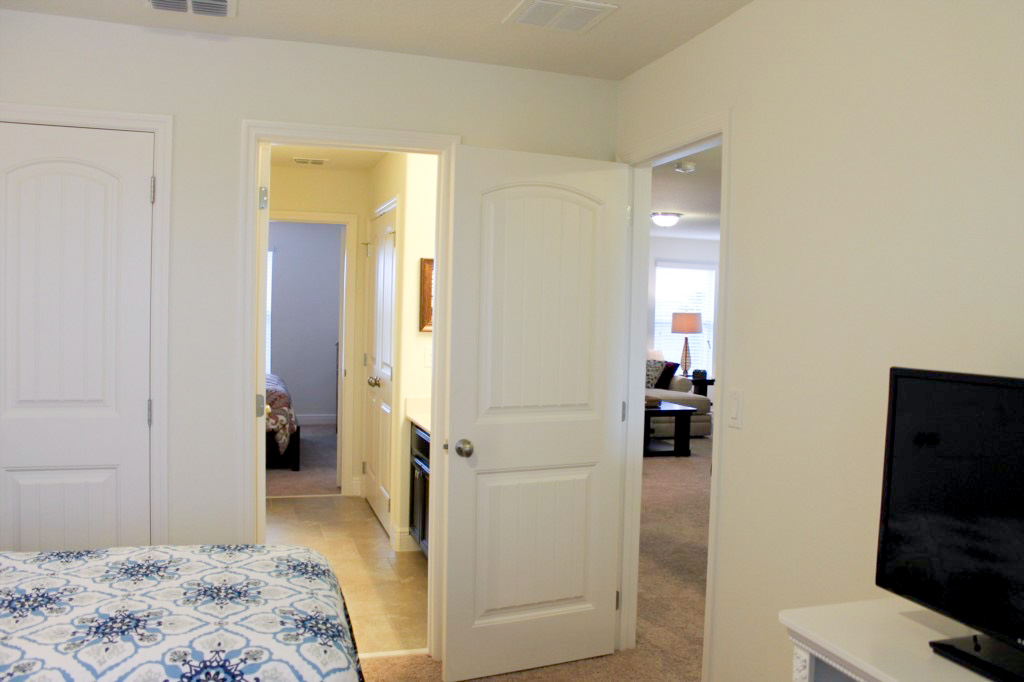View from Bedroom 2 (Twin Room) through Jack N Jill bath into Bedroom 3 (King).