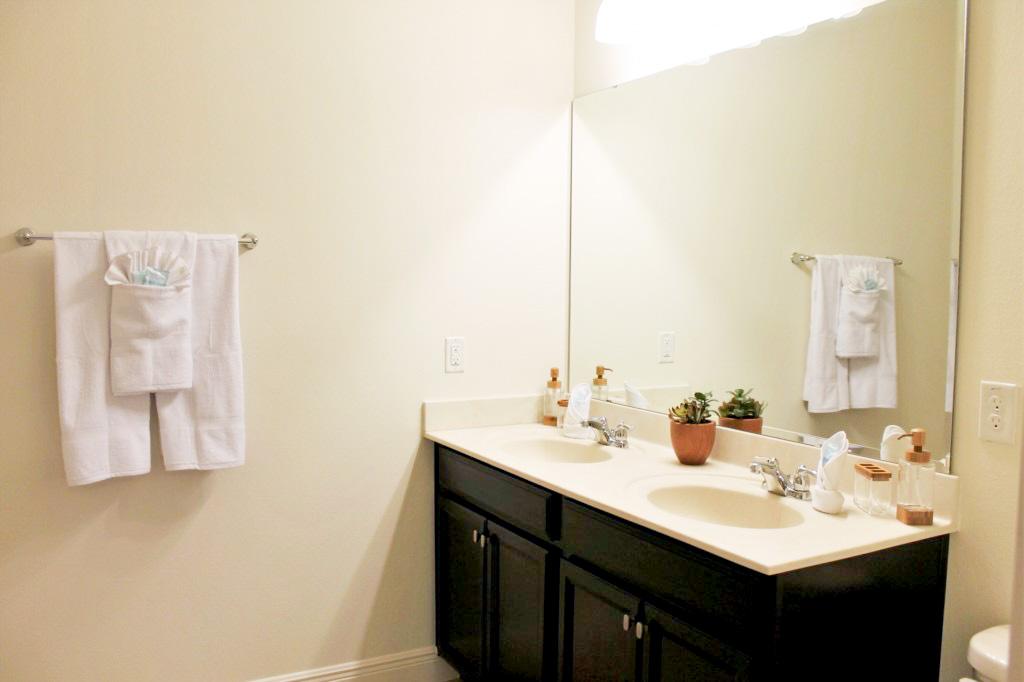 Bedroom 1: Master En Suite Bath!