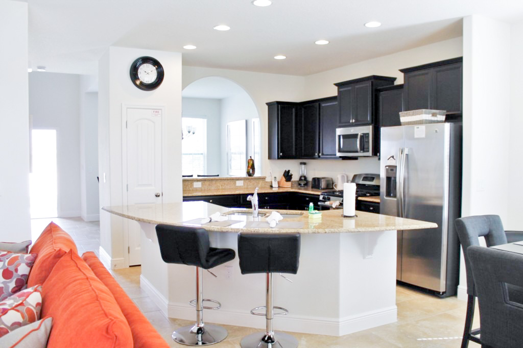 Modern Kitchen with Granite Countertops and Stainless Steel Appliances!