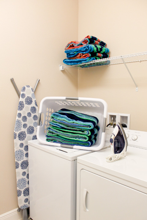 Full Size Washer and Dryer, Iron and Board, Pool Towels!