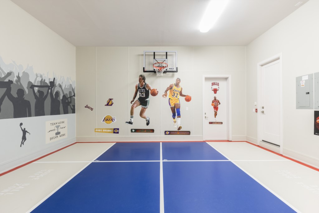 BasketballCourt-1