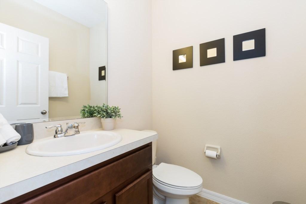 21_Bathroom_0921.jpg